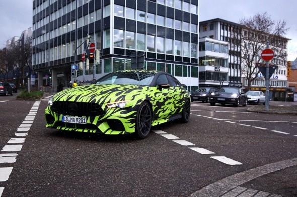 1519658548_Mercedes-AMG-GT4-590x393