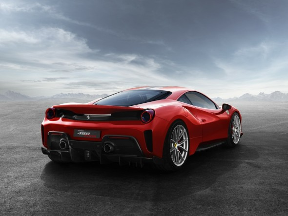 1519659044_Ferrari-488-Pista-05-590x443